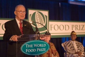 Dr. Borlaug giving his final address at the World Food Prize in 2007
